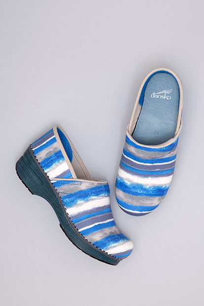 Professional Blue Watercolor Stripe Canvas from the Stapled Clog