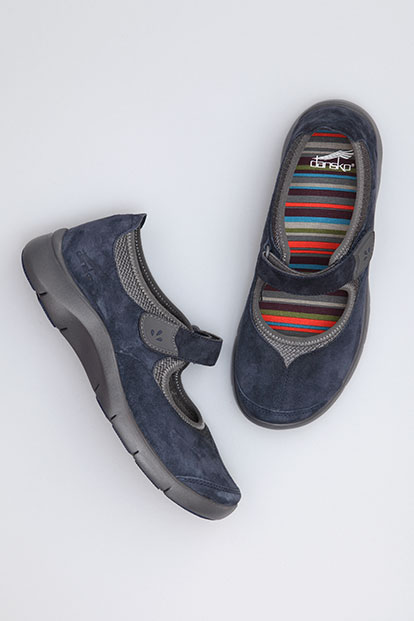 Edda Navy Suede from the Sedona