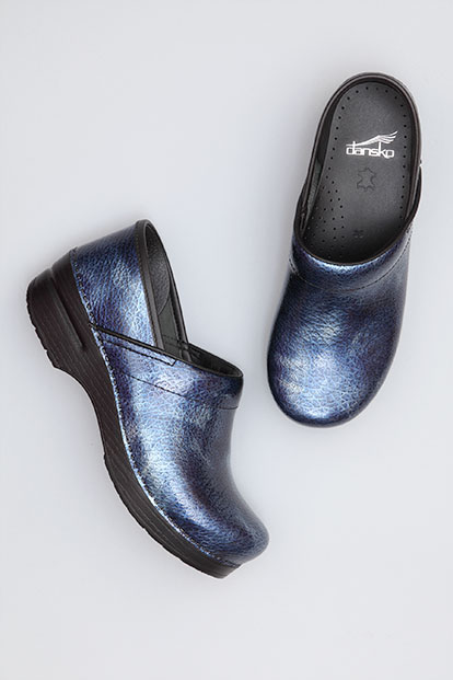 Wide Pro Sky Textured Patent from the Stapled Clog