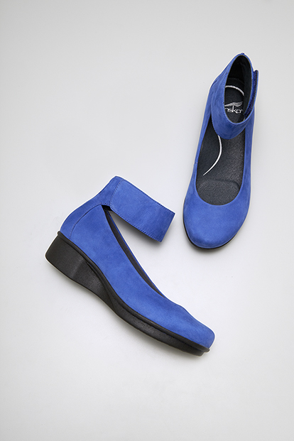 LuLu Lulu Blue Nubuck from the Lyon