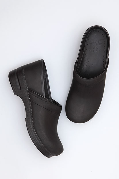 Narrow Pro (Men) Black Oiled from the Stapled Clog