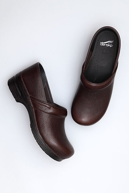 Professional (Men) Brown Bullhide from the Stapled Clog