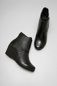 Romy Black Burnished Nappa