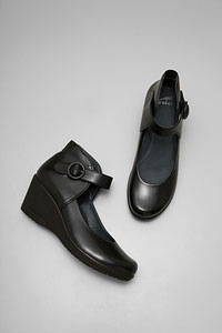 Rebel/Black Burnished Nappa