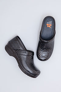 Professional XP Black Caiman Patent