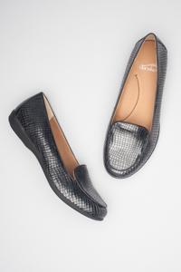Nastacia Black Croc