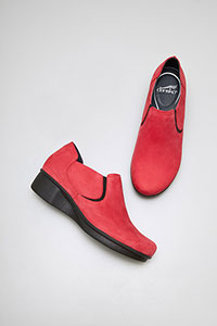 Lynn Red Nubuck