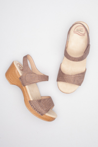 Sonnet Brown Bronze Croc Textured Patent