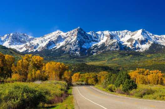 Autumn Road Trip: Lace Up Chantal and Take a Leaf-Peeping Adventure   -